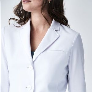 Medelita M3 REBECCA SLIM FIT LAB COAT - New.